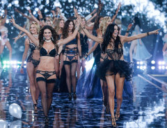 Victorias-Secret-2014-TNT-MG